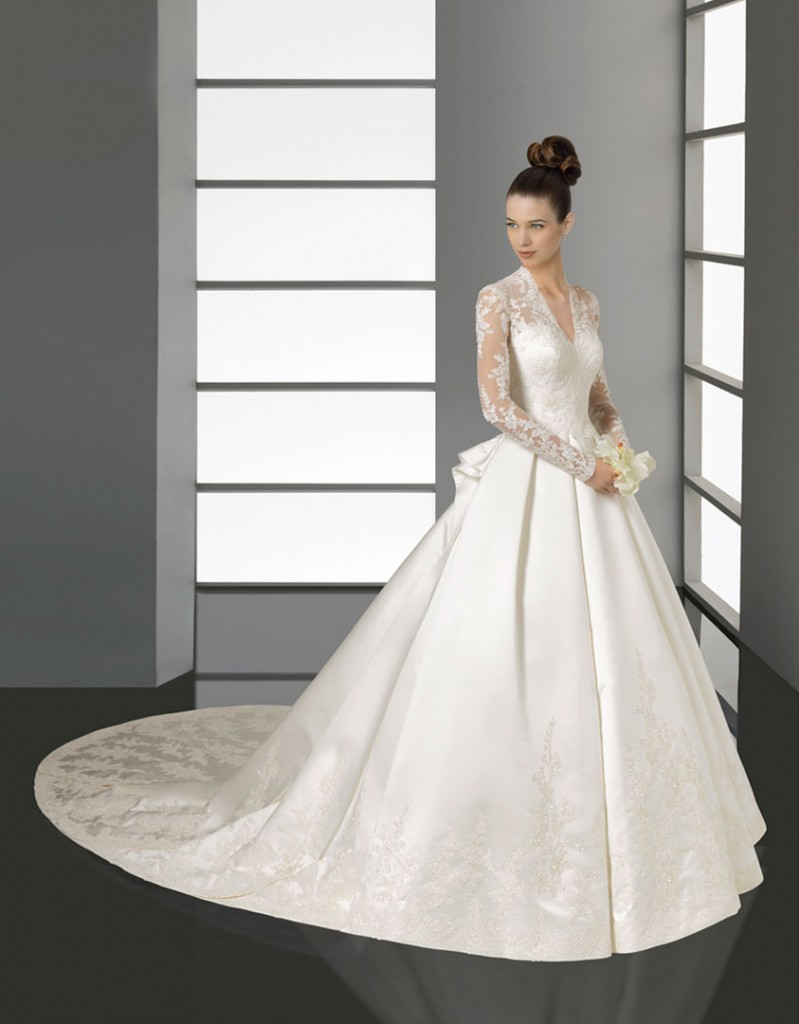 Lace Sleeves Satin Wedding Dress by Aire Barcelona 2012 - Kate