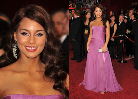 4f2dec38ca2 Alicia Keyes Pin Curls - Chic Vintage Brides   Chic Vintage Brides