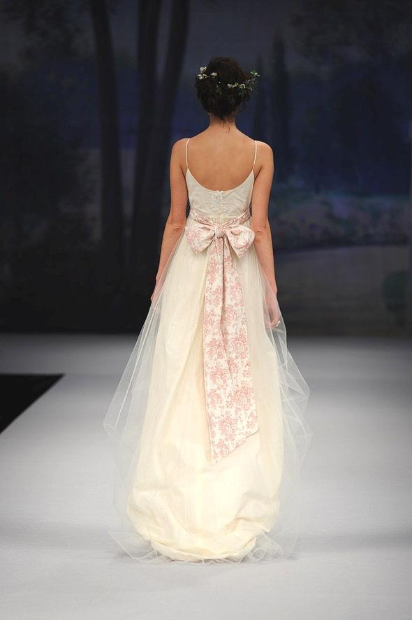 CLAIRE PETTIBONE 2012 Bridal Gown Amelie Back Detail