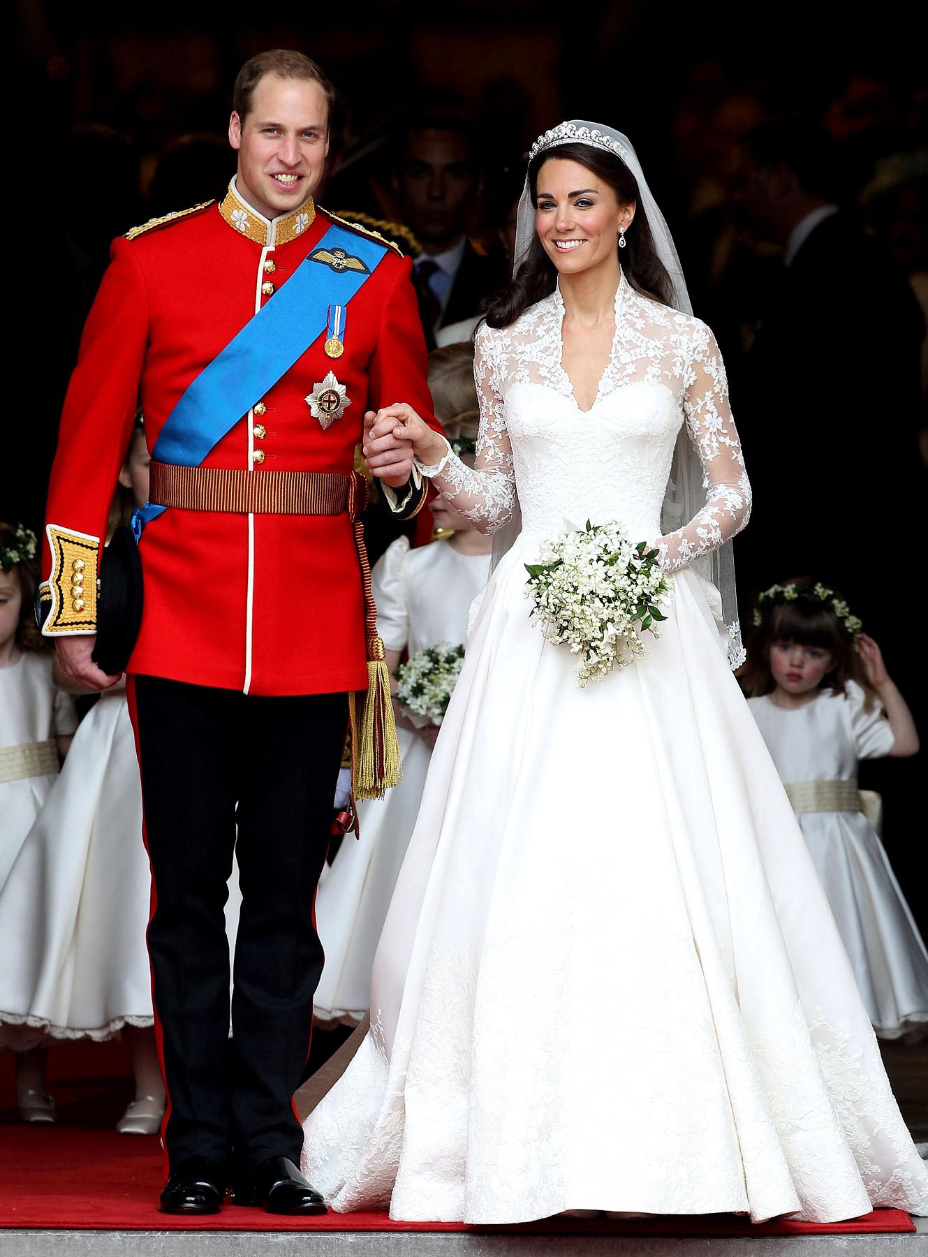 Catherine Middleton's Long Sleeve Wedding Dress