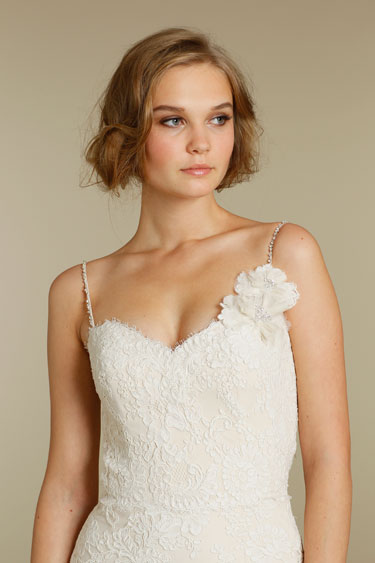 Alvina Valenta 2012 Lace Wedding Dress 9202 Detail