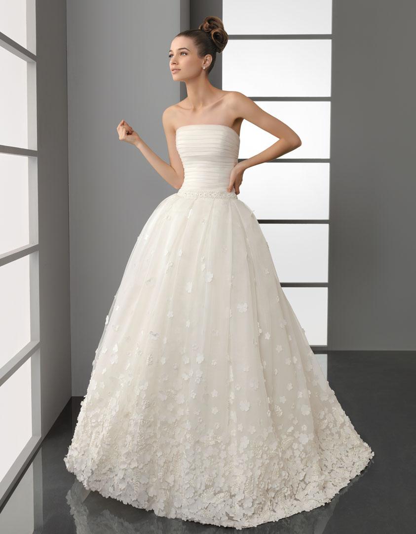 Aire Barcelona 2012 Wedding Dress 1950s inspired Polinesia