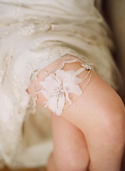 Twigs & Honey 2012 Silk Petal Garter Style #225