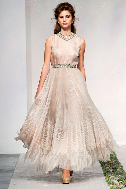 LUISA BECCARIA FALL 2012 RTW Bridal Gown