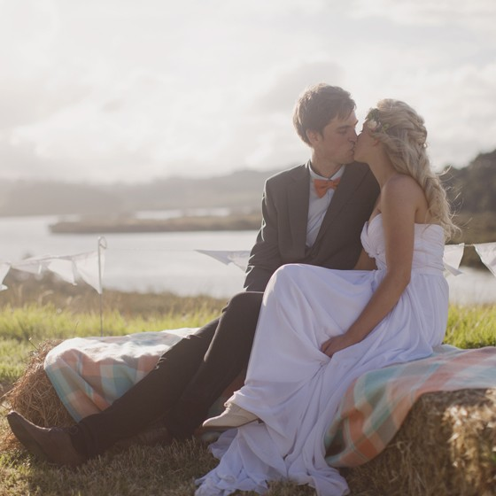 The Sweetest Snells Beach New Zealand Wedding : Chic