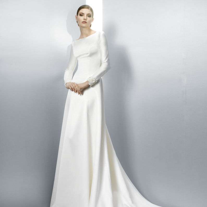 The most beautiful long sleeved wedding dresses from 2013 for Elegant long sleeve wedding dresses