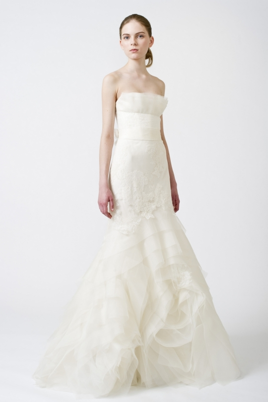 Vera Wang Drop Waisted Spring 2011 Wedding Dress Fawn