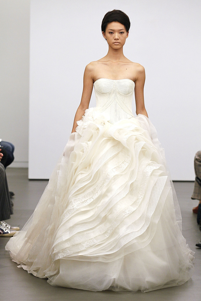 2130de3975d16 Vera Wang's Classic White Fall 2013 Collection - from New York Bridal  Fashion Week