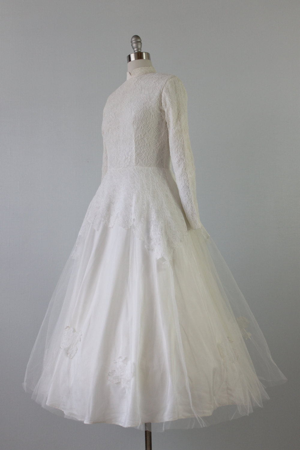 Vintage 1950s Lace Tea Length Wedding Dress