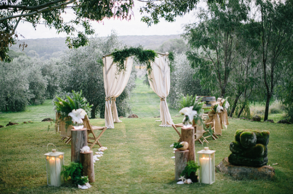 Outdoor Wedding Ceremony: 20 Gorgeous (and DIY-able) Drapes