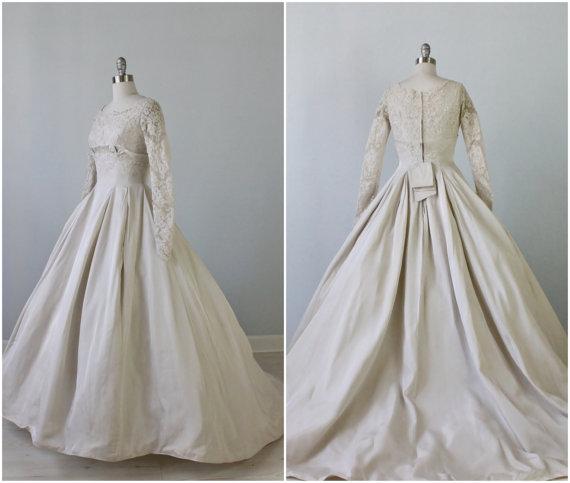 The Vintage Mistress - Elegance 1950s Wedding Dress