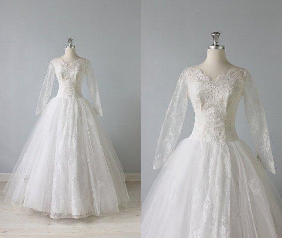 The Vintage Mistress - 1950s Lace Wedding Dress Whisper