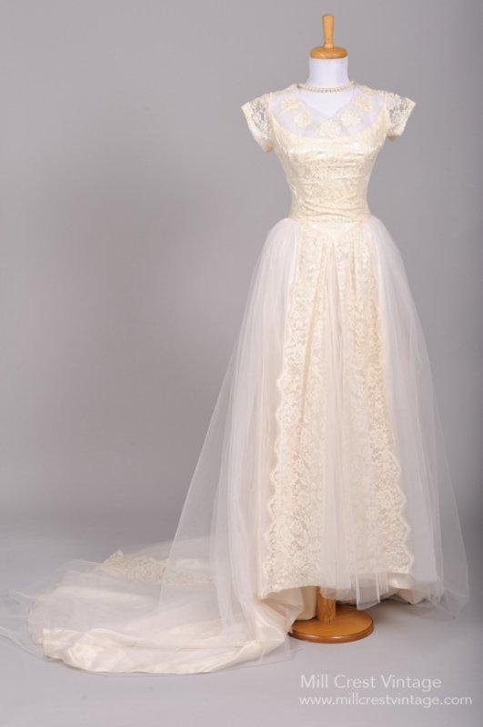 1950s Vintage Wedding Dress from Mill Crest Vintage