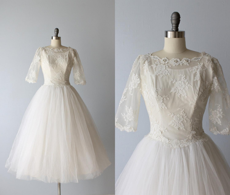 9f78b23c34d Beautiful Vintage Wedding Dresses - Chic Vintage Brides   Chic ...