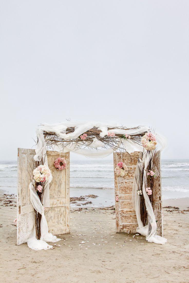 Pretty Rustic Beach Wreaths
