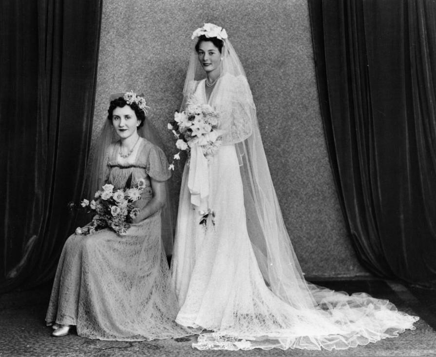 Chic Vintage 1940s Bride - Daphne Nixon