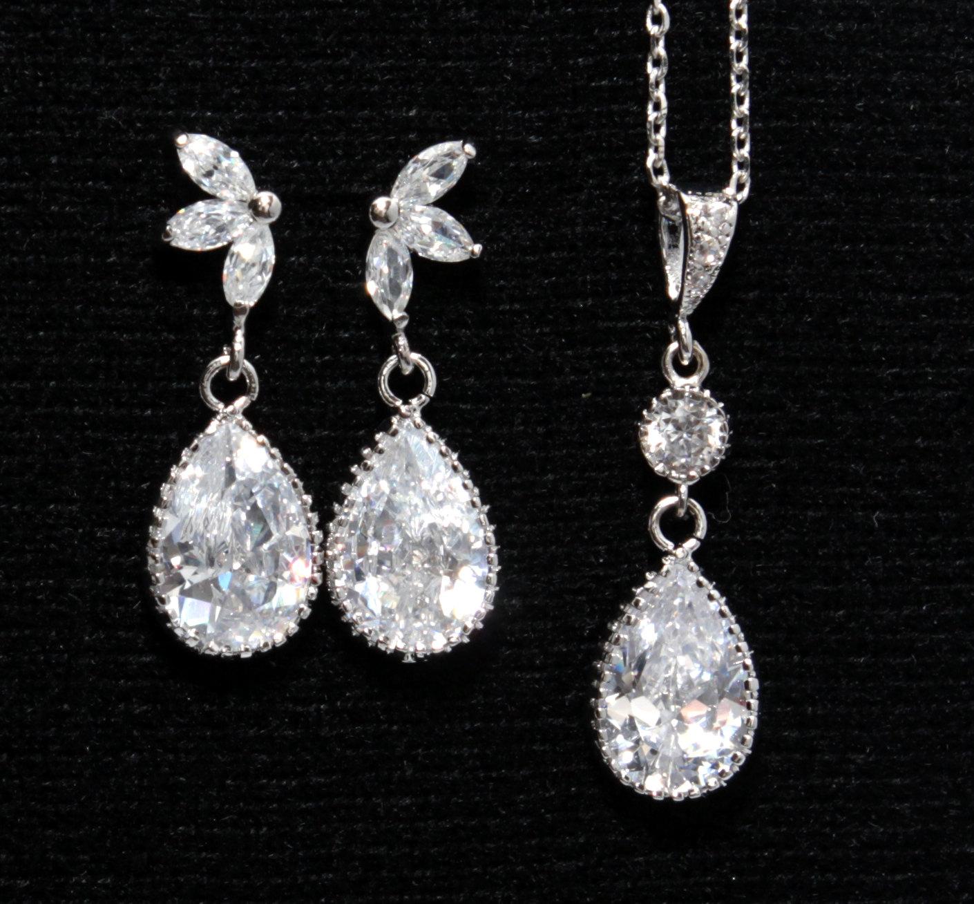 Tacita - Earrings & Necklace Set from Glitz & Love