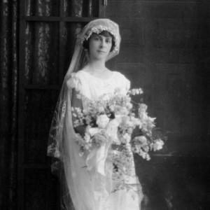 Chic Vintage 1920s Bride - Agnes Dath