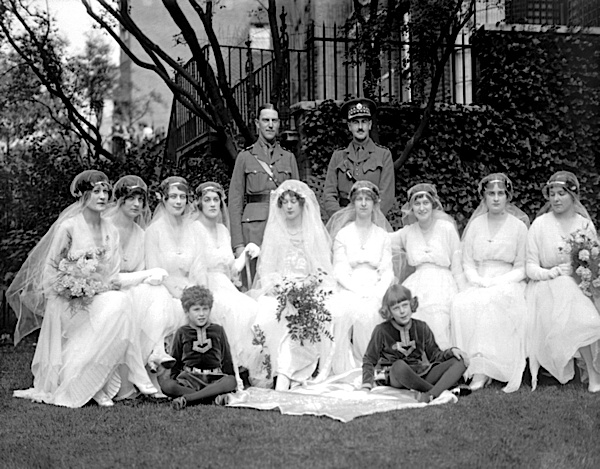 1915 Clarissa Tennant - Ivory Bridesmaids