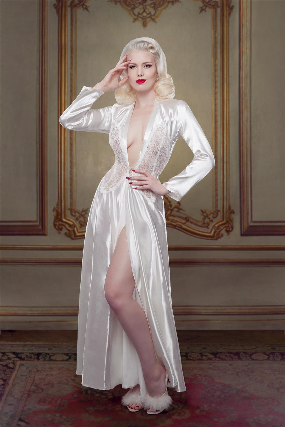 Vintage Bridal Lingerie - The Nell Robe from Betty Blues Loungerie