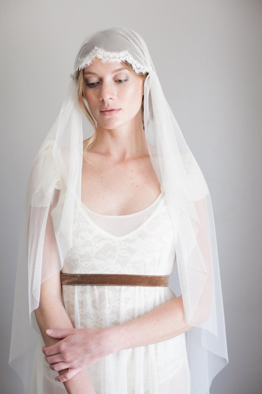Vintage veils from Mignonne Handmade - Lace Juliet Cap Veil