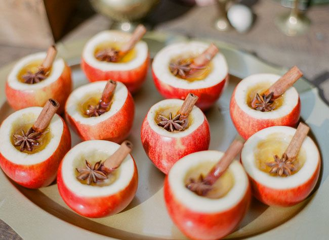 5 Must Haves for an Amazing Autumn Wedding - Hot Spiced Apple Cider