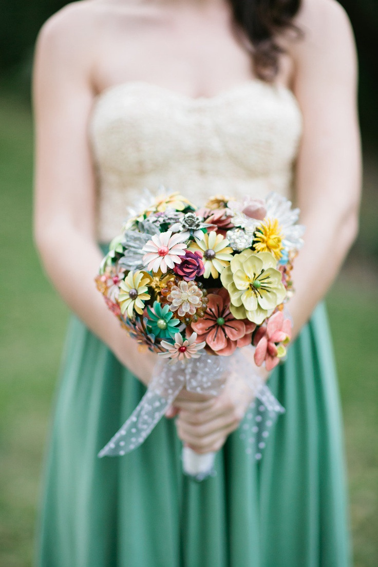 10 Unique & Creative Bridesmaid Bouquet Alternatives - Brooch Bouquets