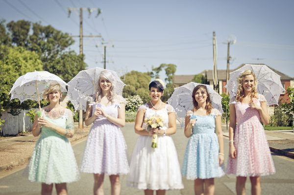 10 Unique & Creative Bridesmaid Bouquet Alternatives - Parasols