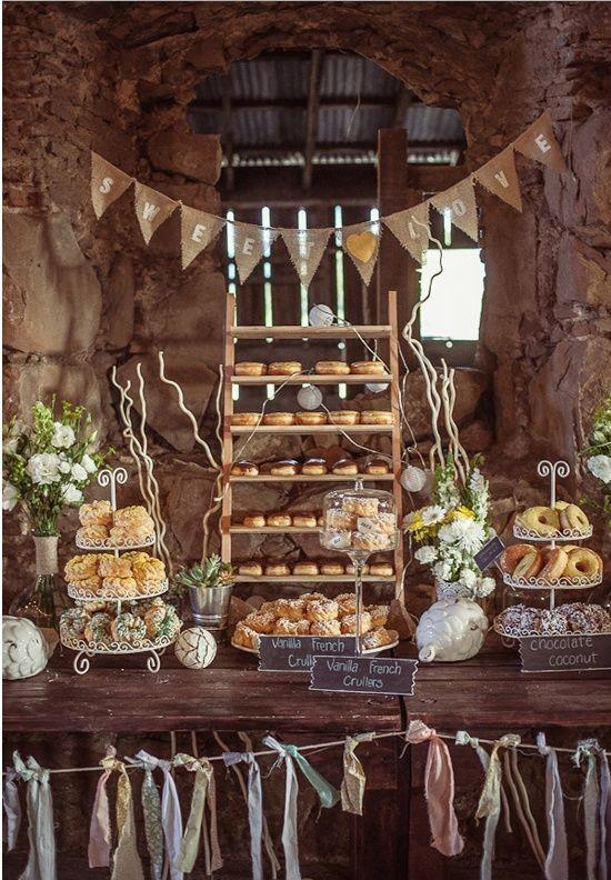 5 Must Haves for an Amazing Autumn Wedding - Doughnut Dessert Table