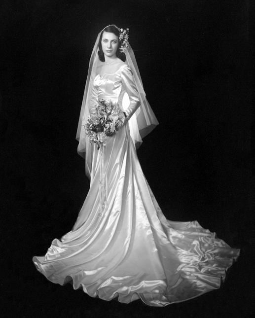 Chic Vintage 1940s Bride Carolyn Dubrin