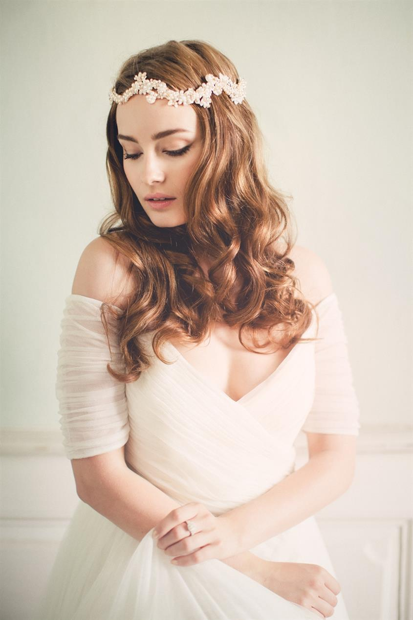 Zoraya - Bridal Headband with Parisian Chic from Jannie Baltzer