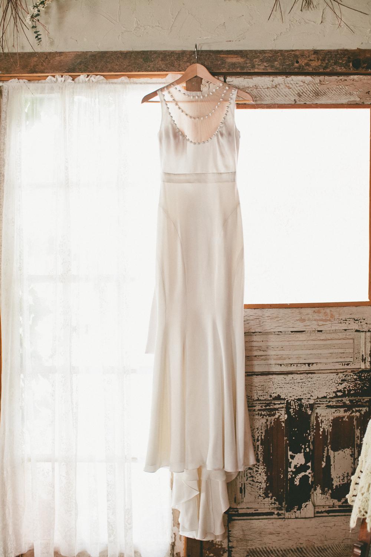 Winter Wedding Dress - A Vintage Fur Cape for a Romantic Snowy Winter Wedding