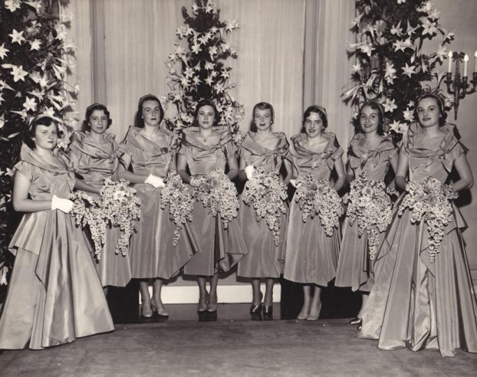 Chic Vintage 1940s Bridesmaids