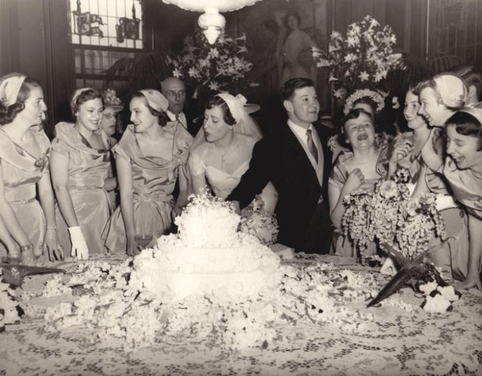 Chic Vintage 1940s Wedding Cake