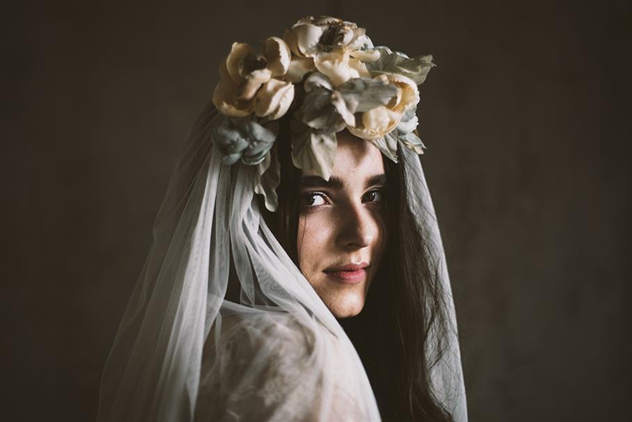 Veil & Bridal Flower Crown from Mignonne Handmade
