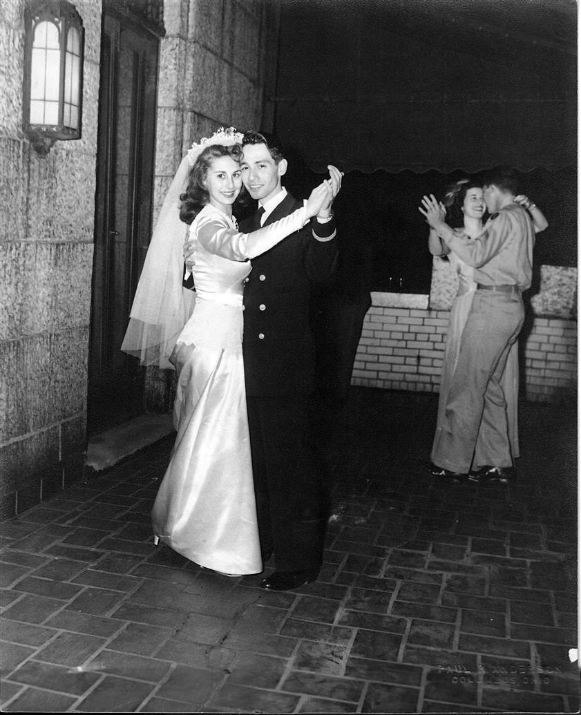 Chic Vintage 1940s Bride - Shirley