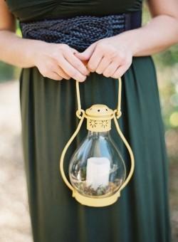 10 Unique & Creative Bridesmaid Bouquet Alternatives - Lanterns