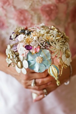 10 Unique & Creative Bridesmaid Bouquet Alternatives - Brooch Bouquets