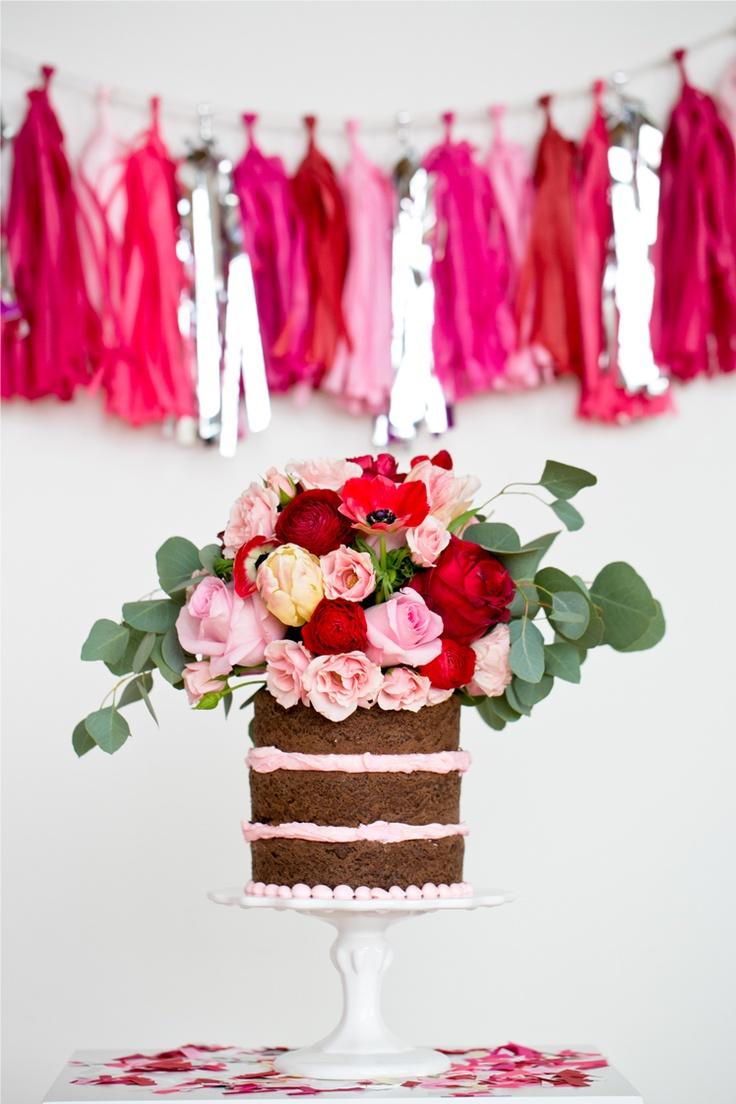 Valentines Day Cake & Garland