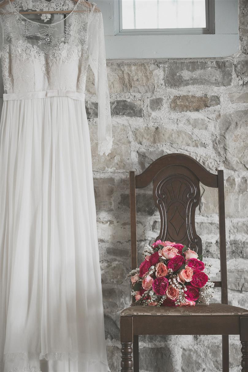 Vintage Wedding Dress & Bridal Bouquet - A Romantic Vintage Wedding Inspiration Shoot from Sue Gallo Designs