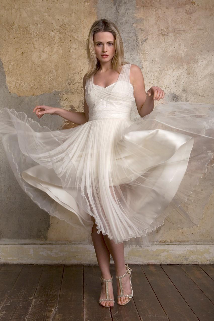 Sally Lacock Dixie - a 1960s tea length wedding dress