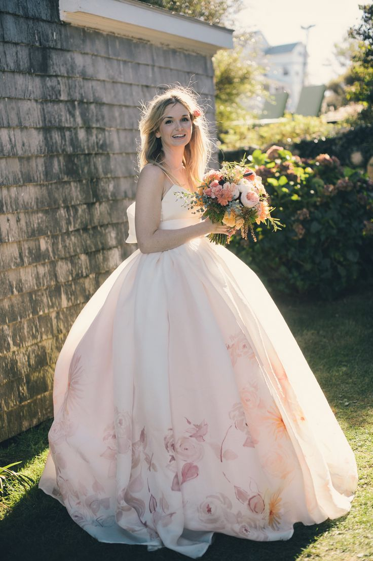 5 must haves for a stunning spring wedding chic vintage brides a suitably springtime wedding dress ombrellifo Image collections
