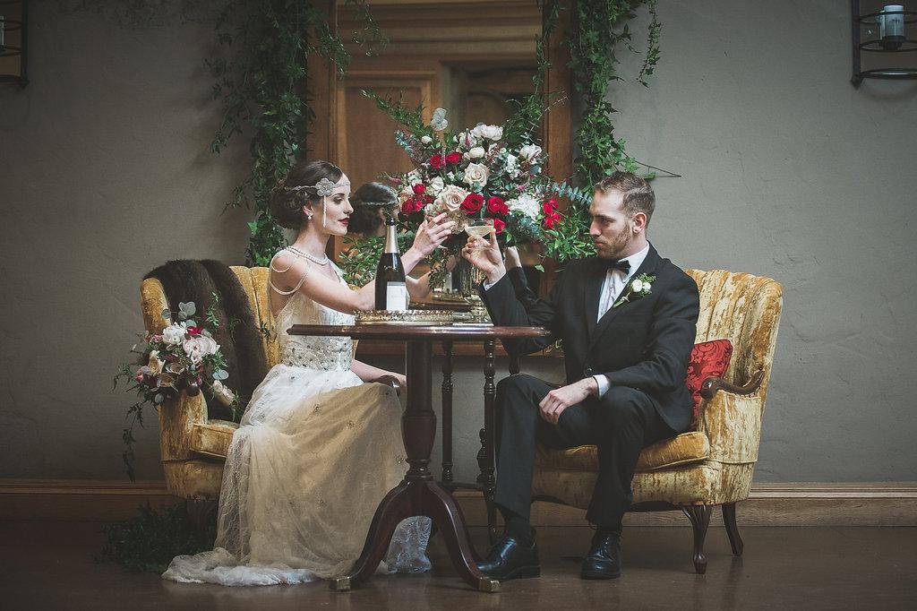 Lavish Gatsby Inspiration for a 1920s Wedding Theme