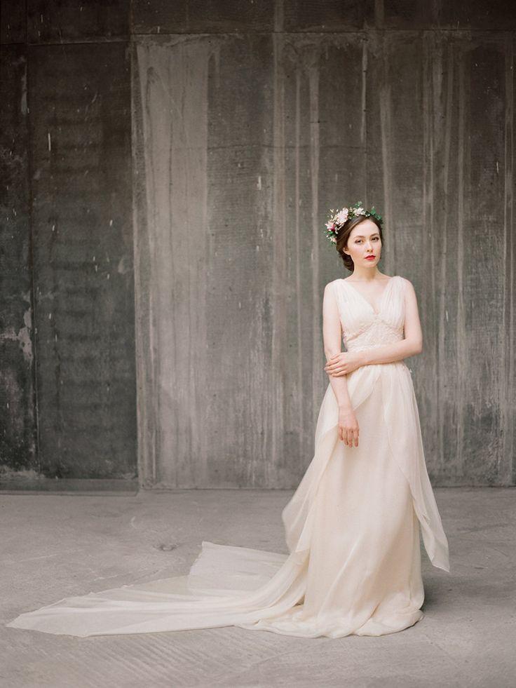 0e457e97c49b 20 Breathtaking and Budget Friendly Wedding Dresses : Chic Vintage ...