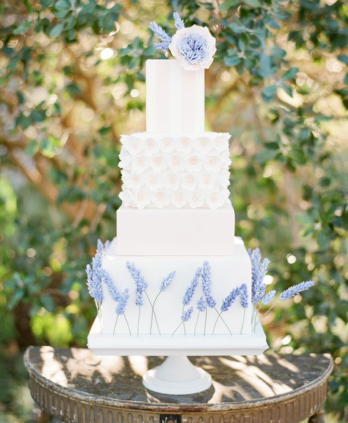 Stunning & Scrumptious Summer Wedding Cake Decorations
