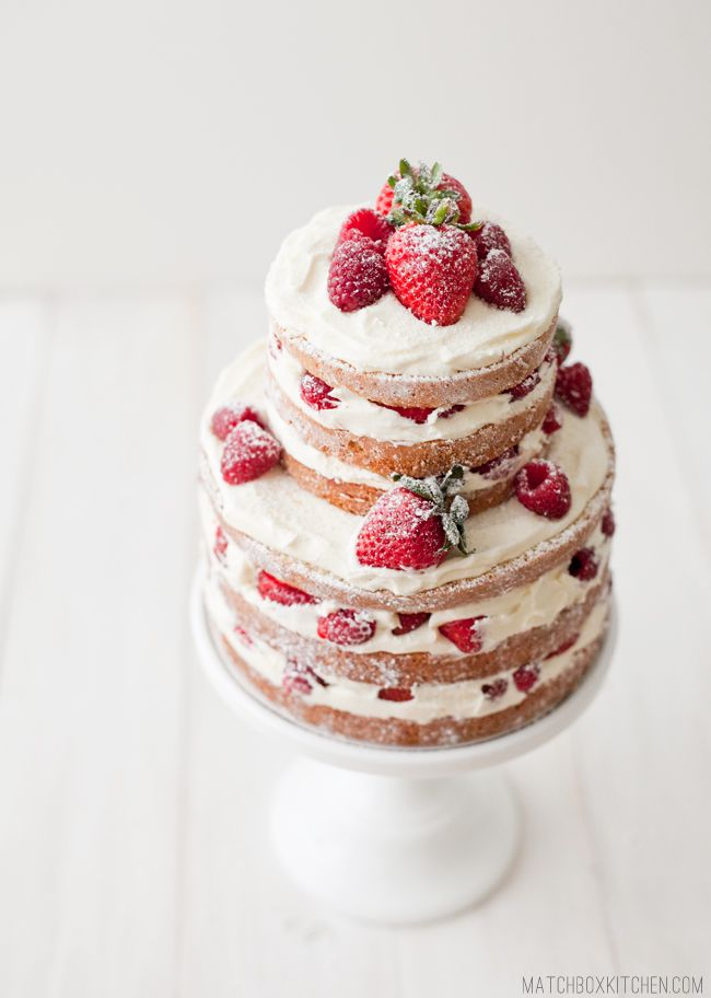 Stunning & Scrumptious Summer Wedding Cake Ideas