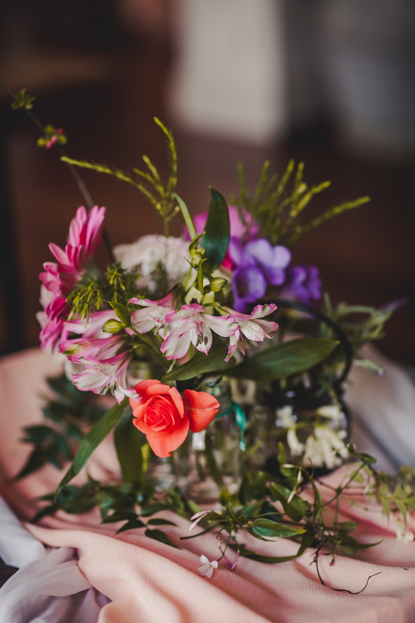 A 1920s Inspired Rustic Countryside Wedding
