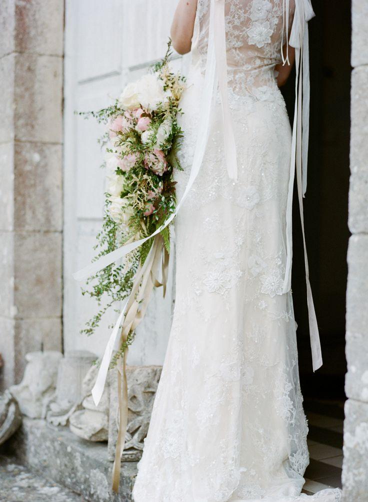 Elegant Cascading Bouquet – 20 Beautiful Art Deco Bridal Bouquets