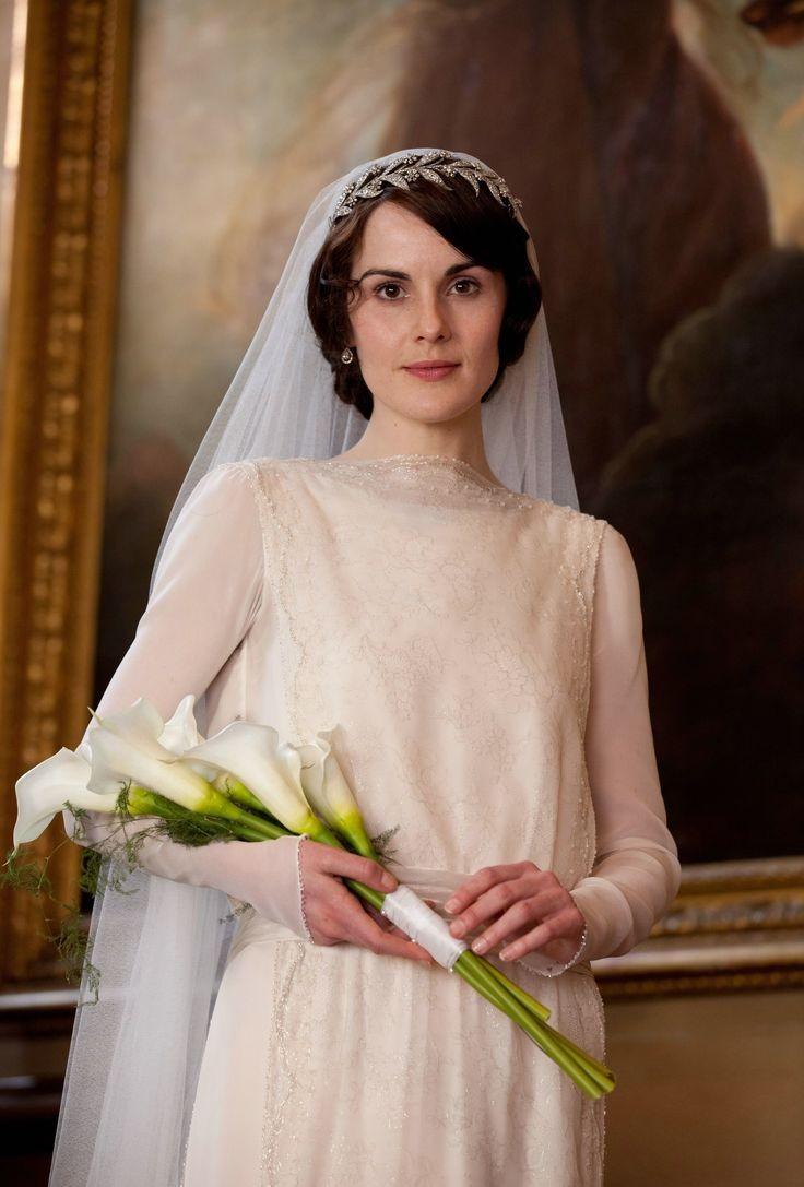Lady Mary Presentation Bridal Bouquet – 20 Beautiful Art Deco Bridal Bouquets
