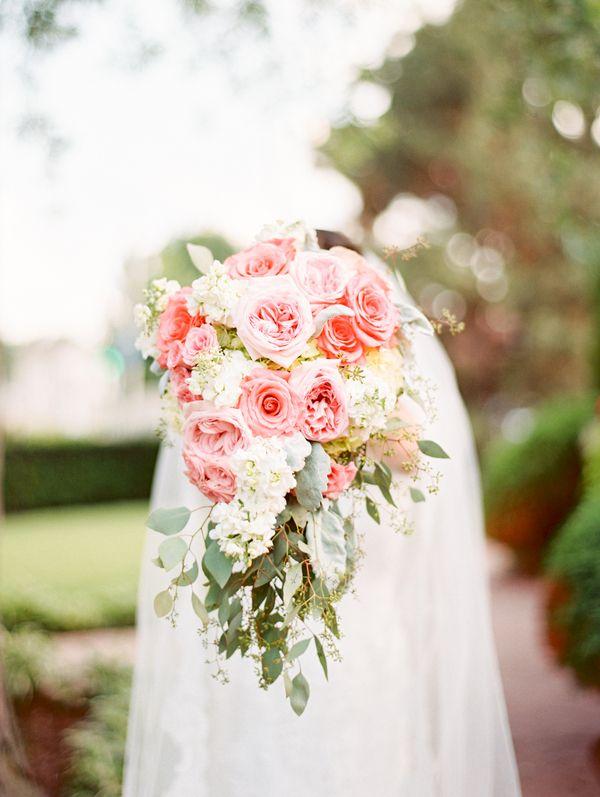 Pretty Bridal Bouquet – 20 Beautiful Art Deco Bridal Bouquets